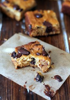 Coconut chunk bars, with coconut flakes, flour, and oil. Use sf sub for LC YUM