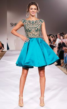 Sadie Robertson From Duck Dynasty Talks New Daddy-Approved Dresses, Walks Runway at NYFW