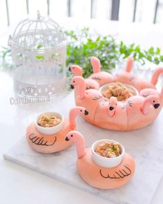 """🍞Pink flamingo pull-apart bread and little """"floats"""" bread buns. Perfect for holding that little jar of fillings. Naturally colored with beetroot powder. Japanese Bread, Cute Bento Boxes, Food Art For Kids, Bread Shaping, Party Food Platters, Bread Art, Kawaii Dessert, Cooking Bread, Bento Recipes"""