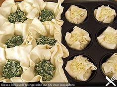 Blätterteig - Spinat - Muffins, ein schönes Rezept aus der Kategorie Kuchen. Bewertungen: 8. Durchschnitt: Ø 3,7.