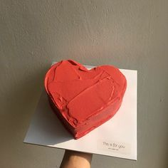 Discovered by Polina. Find images and videos about love, food and aesthetic on We Heart It - the app to get lost in what you love. Pretty Birthday Cakes, Pretty Cakes, Beautiful Cakes, Amazing Cakes, Masterchef, Think Food, Cute Desserts, Just Cakes, Cafe Food