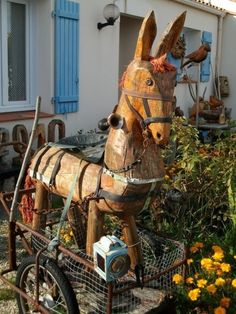 Outsider art by Jean Billon Beauvoir-sur-Mer, France source source Sweden Europe, Garden Tool Shed, Painted Pony, Naive Art, Red Paint, Outsider Art, Garden Art, Folk Art, Primitive