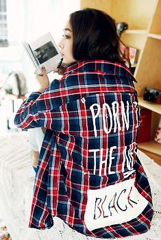 Today's Hot Pick :BАCKプリントチェックシャツ http://fashionstylep.com/SFSELFAA0006805/aurajjp/out スポーティ風デザインのチェック柄シャツ。 ルーズなフィットスタイルに仕上がってメンズっぽくなりがちですが、 ドロップショルダーラインにして女性らしさをキープします。 後BIGプリントは個性をアピールし大人シックテイストにぴったり♪ クールなライダースジャケットと着たい気分です★
