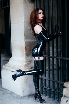 Here you'll find NSFW latex, leather, sensual domination, etc. I will credit/take down photos if requested. Sexy Latex, Fetish Fashion, Latex Fashion, Sexy Outfits, Dark Black, Long Black, Latex Lady, Latex Dress, Latex Outfit
