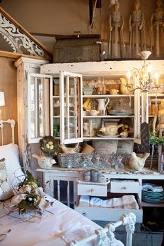 photograph by Raised in Cotton...great aesthetic.  Store, Laurie Anna's.