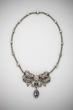{ The Cullinan Blue Diamond Necklace }