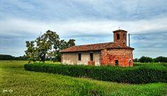 Breme, #chiesa di Santa Maria di Pollicino. #Lomellina #turismo Pic: Leonetto Strambi Santa Maria, Terra, Relax, Italy, Cabin, House Styles, The View, Tourism, Holy Mary