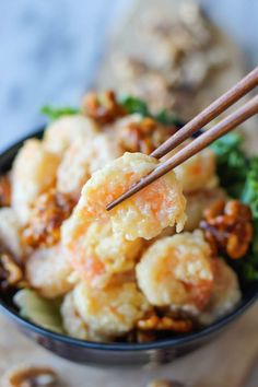 Honey Walnut Shrimp - Budget-friendly crispy battered shrimp tossed in a creamy, sweet mayonnaise mixture, topped with caramelized walnuts!