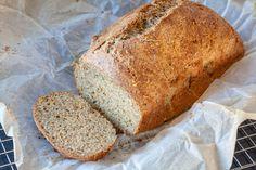 Koolhydraatarm zadenbrood - WayMadi Carb Free Bread, Low Carb Bread, Low Carb Recipes, Healthy Recipes, Good Food, Yummy Food, Healthy Baking, Bread Baking, Favorite Recipes