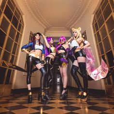 💛 K/DA Team 👑 . . . Photos by @ferpsf K/DA Evelynn cosplay by @glorylamothe K/DA Ahri cosplay by @vkryp K/DA Akali cosplay by @danucosplay…