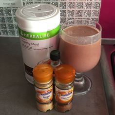 Starting my day with a chocolate Gingerbread Man Shake. To make you will need: 300ml of milk, 2 scoops of Chocolate F1 Powder, 1/2 tbs of Cinnamon, 1/2 tbs of Ginger, drop of Vanilla Extract and ice. Blend for one minute and serve #chocolate #gingerbread #healthybreakfast #herbalife