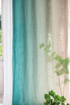 Another fabulous umbre from Designers Guild-Padua. This time on a beautiful neutral ground. Come see all the colorways at Dean Warren.