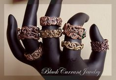 Free Time Crafts: DIY: Simple Wire-Wrapped Ring Tutorials. All types of wire ring pictures and inspiration.