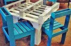 Mesa y silla a partir de pallets