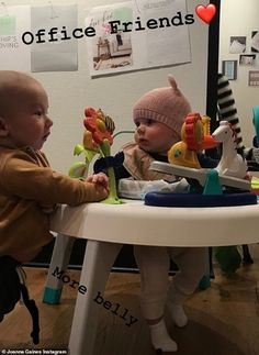 'Office friends': Joanna also posted a photo of her youngest with a cute little girl. Joanna Gaines Style, Chip And Joanna Gaines, Jojo Gaines, Fixer Upper Joanna, Joanne Gaines, Chip Gaines, Magnolia Farms, Cute Little Girls, Hgtv