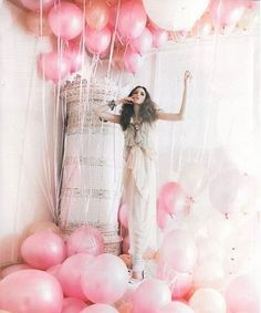 99 Pink Balloons, if i have a girl my maternity shoot will be in a sea of pink balloons
