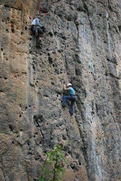 ¿Se animarían a escalar Las Puertas de Miraflores en el edo Monagas,en Venezuela.