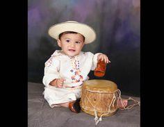 Bebe en montuno ocueño Blackwork, Cowboy Hats, Folk, Flower Girl Dresses, Hipster, Children, People, Ideas, Folklore
