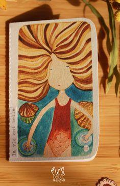 / Mini MIMI cartes / Jolies petites cartes - Une collection de cartes petit format (105x65 mm), confectionnées à la main dans du beau papier. Chaque carte est composée tel un petit carnet. Les jolis papiers sont reliés à l'aide d'une machine à coudre. Aucune n'est identique car MAMA DOUCE utilise des chutes de papiers qu'elle conserve et collecte de ses multiples projets. Elle les réutilise ainsi pour confectionner ces jolies cartes illustrées. Le Jolie, Aide, Creations, Collection, Illustrated Maps, Pretty Cards, Canning, Beauty, Projects