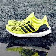 adidas Ultra Boost: Volt