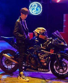 Handsome Korean Actors, Handsome Boys, Yamaha R25, Anime Butterfly, Motorcycle Wallpaper, Chinese Candy, Cute Korean Boys, Badass Aesthetic, Wattpad