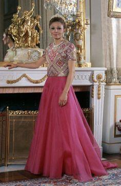 Farah Diba of Iran Farah Diba, King Of Persia, Pahlavi Dynasty, The Shah Of Iran, Iranian Women Fashion, Balmain, Royal Beauty, Persian Culture, Royal Fashion