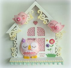 Casinha decorativa c/ aplique de coruja de feltro! R$ 98,00
