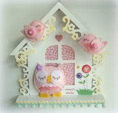 Casinha decorativa c/ aplique de coruja de feltro!
