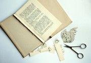 how to recycle old books, Aufkleber aus alten Büchern