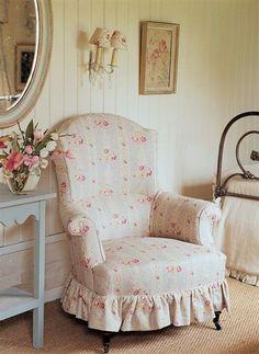 #shabby little chair