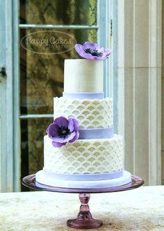 Happy Cakes Bakes: Purple Anemone & Scalloped Lattice Cake!