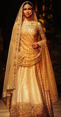Sabyasachi PCJ Delhi Couture Week Breathtakingly beautiful and timeless golden lehenga. Sabyasachi Lehenga Bridal, Anarkali, Lehenga Choli, Bridal Sarees, Lakme Fashion Week, India Fashion, Asian Fashion, Fashion 2016, Indian Dresses