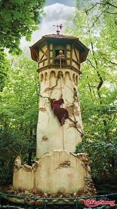 Efteling wallpaper van Raponsje in het Sprookjesbos. Rapunzel tower!