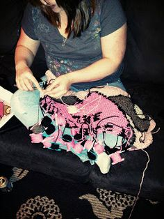 Crochet Chiq has an interview with tapestry #crochet #artist Sarah Chapman