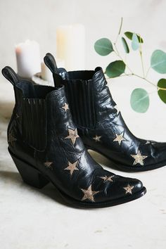 Shop our Reach For The Stars Ankle Boot at Free People.com. Share style pics with FP Me, and read & post reviews. Free shipping worldwide - see site for details.