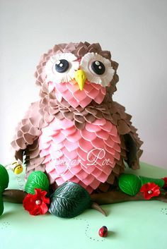 Stavely Saw this and thought of yo with your planning. Owl birthday cake - and I thought I went to a lot of effort! Owl Cake Birthday, Happy 8th Birthday, Baby Girl 1st Birthday, Birthday Ideas, Beautiful Owl, Cute Cakes, Fancy Cakes, Sweet Cakes, Cupcake Cakes