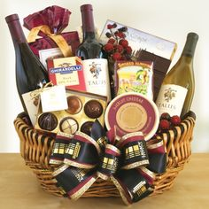 Nice Surprise with Candy Gift Baskets : Best Candy Gift Baskets. Candy Gift Baskets, Wine Gift Baskets, Gourmet Gift Baskets, Christmas Gift Baskets, Gift Hampers, Candy Gifts, Basket Gift, Xmas Hampers, Holiday Gifts