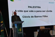 #Filósofo e #Palestrante #ClovisDeBarrosFilho !   #Palestra para a CNDL em 10/2015... #OsMelhoresPalestrantes #Eventos #PrismaPalestras
