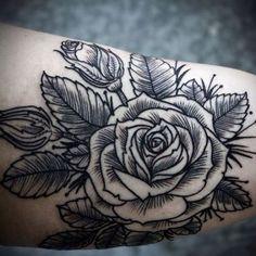 Gallery @ Love Hawk Tattoo Studio David Hale I love all black and grey ink tattoos . Girly Tattoos, Tattoos Skull, Pretty Tattoos, Beautiful Tattoos, Flower Tattoos, Tatoos, Ink Tattoos, Tattoo Roses, Thigh Tattoos