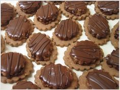 - Vianočné pečenie 2009 - My site Christmas Candy, Christmas Baking, Christmas Cookies, Arabic Food, Sugar Cookies, Nutella, Sweet Recipes, Cookie Recipes, Cooker