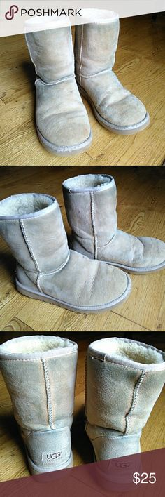 """Authentic UGG boots 👣 Very well loved. 💕 Stains from my blue jeans are on the sided, so professionally cleaning would probably be good, however they're still very practical for keeping your feet warm in the winter!!! Says size W6 in the inside. Still *""""lots** of life left in these! I just have way too many shoes/boots. **Smoke free home 🚭** UGG Shoes Winter & Rain Boots"""