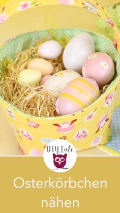 Sewing baskets for Easter is easy: perfect as an Easter gift or simply as a gift box - Easter baskets are a must for Easter. The sewing instructions for the DIY and the free sewing pattern are availab Easter Presents, Easter Gift, Easter Crafts, Fabric Crafts, Sewing Crafts, Sewing Projects, Wood Crafts, Crafts To Sell, Crafts For Kids