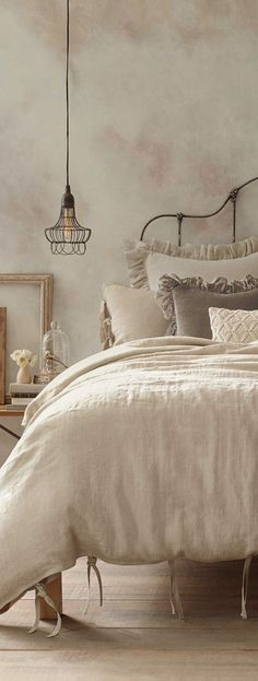 Country Bedroom Design, Country Kitchen Designs, French Country Bedrooms, Shabby Chic Bedrooms, Bedroom Vintage, Vintage Bedding, Vintage Beds, Romantic Bedrooms, French Decor