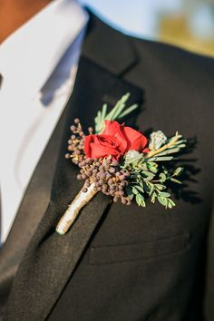 boutonniere for your winter wedding