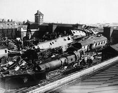 Harrow and Wealdstone Train Crash (1561×1227)