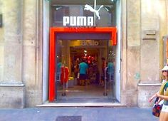 insegne negozi Roma, insegne luminose Roma, insegne Roma, insegna negozio Puma via del Corso Roma