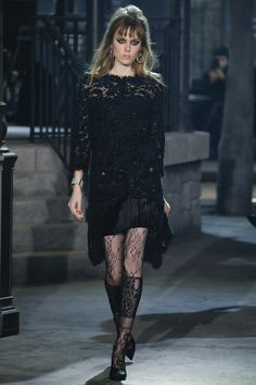 Have Legs, Will Flaunt Them: A Holiday Dressing Tip Fresh From the Chanel Runway