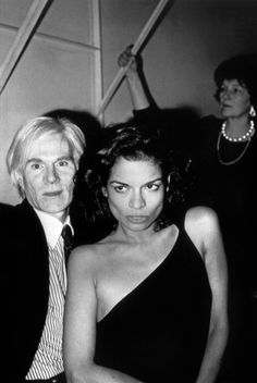 Warhol and Bianca Jagger in Studio 54 Andy Warhol and Bianca Jagger in Studio New York, Fashion Mask, 70s Fashion, Timeless Fashion, Vintage Fashion, Classic Fashion, Korean Fashion, Winter Fashion, Fashion Outfits, Bianca Jagger