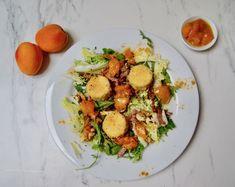 Salade aux chèvres panés au chutney d'abricots Le Curry, Kung Pao Chicken, Chutney, Potato Salad, Potatoes, Menu, Ethnic Recipes, Food, Drizzle Cake