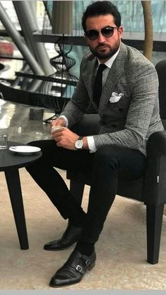 Mens fashion classy - 43 trendy casual shoes for men style 33 Stylish Men, Men Casual, Casual Shoes, Shoes Style, Blazer Outfits Men, Fashion Business, Cooler Look, Herren Outfit, Mens Fashion Suits